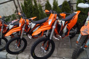 two ktm exc 300 tpi