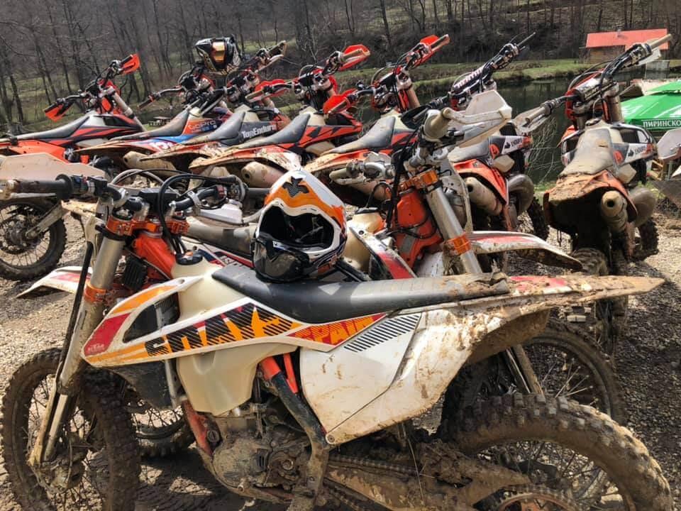 muddy_bikes_hard_enduro
